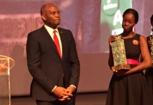 Tony Elumelu, UBA Group PLC Chairman receiving Life Time Achievement Award in Ivory Coast recently