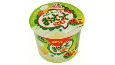 ファミマ、異色のコラボ商品「ベジタブルおっとっとアイス コンソメ味」を発売