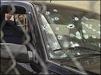 Coche abaleado de un jefe de policía mexicano. (foto archivo)