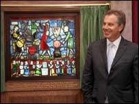Tony Blair unveils the Fabian window