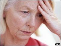 El estudio indica que beber en exceso afecta la salud mental de las mujeres.