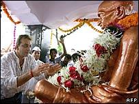 Film star Sanjay Dutt garlands Gandhi's statue