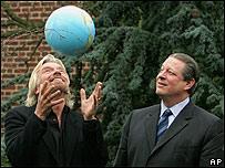 El premio es convocado por el empresario Richard Branson y el pol�tico Al Gore.