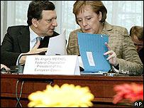 Merkel y Barroso conf�an en tener 27 firmas en el plan que se negocia.