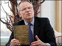 La reputación del escritor Jeffrey Archer se ha puesto en duda por sus problemas legales.