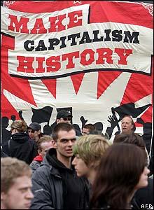 https://i1.wp.com/newsimg.bbc.co.uk/media/images/43001000/jpg/_43001189_afp_capitalism220.jpg