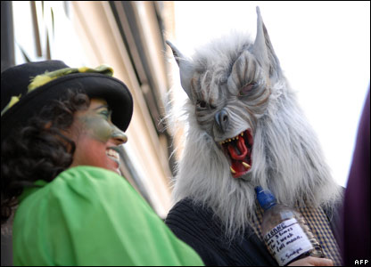 A Harry Potter fan dressed as a werewolf