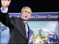 George W. Bush en el foro sobre clima realizado en Washington