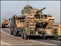 دبابات تركية تستعد لعبور الحدود العراقية