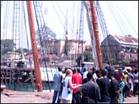 Crowds in Freetown queuing to get aboard the Amistad