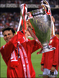Ryan Giggs celebrates United's 1999 Champions League win over Bayern Munich