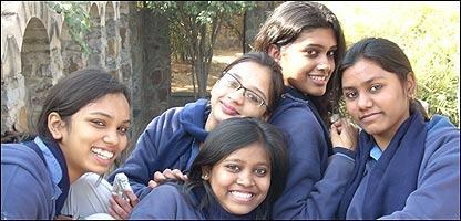 Grupo de estudiantes de la escuela Mater Dei,  en Delhi
