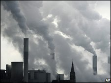 Smoke billows from Germany's Frimmersdorf power plant on 25 February 2008