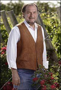 Michel Rolland en su viñedo.