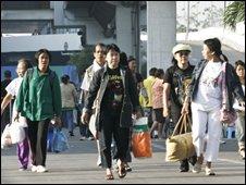 Anti-government demonstrators leave Don Muang airport - 3 December