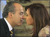 Felipe Calderón con Cristina Fernández en Argentina.