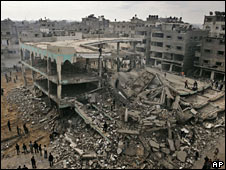The ruins of the Al-Noor Mosque in Gaza City, hit by an Israeli air strike on 8 January 2009