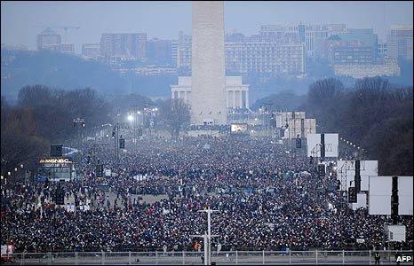 Ratusan ribu orang tiba dan memadati ibukota Amerika Serikat, Washington DC, untuk menyaksikan pelantikan Presiden Ke-44 AS, Barack Obama.