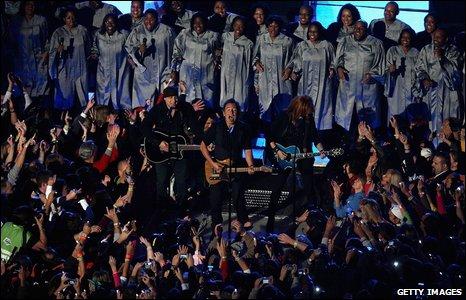E Street Band and choir