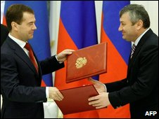 Russia's President Medvedev seals the deal with S Ossetia's leader 30 April 2009