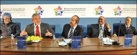 (L-R) Manmohan Singh; Luiz Inacio Lula da Silva; Felipe Calderon; Jacob Zuma; Dai Bingguo