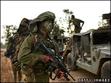 Israeli soldiers deployed on the Israel-Gaza border 28 Decmeber 2008