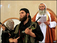 Abdel-Latif Moussa surrounded by fighters at the mosque in Rafah, 14 August 2009