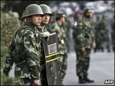 Paramilitary police in Urumqi, 04/09