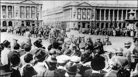 German troops march through occupied Paris