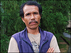 Mawlynnong village headman Thomlin Khongthohrem