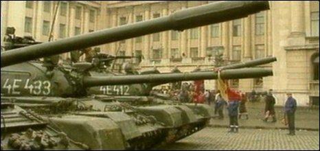 Tanks in Bucharest during 1989 revolution