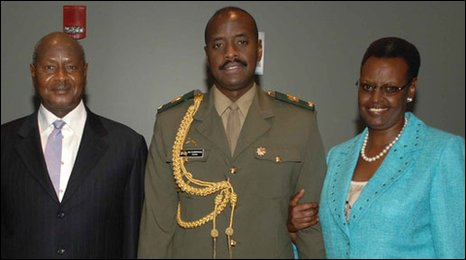 President Yoweri Museveni (l), his son Lt-Col Kainerugaba Muhoozi (C) and his wife Janet (r)