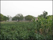 Fields surrounding Yerawada prison