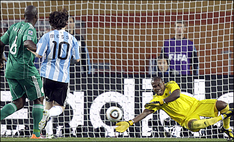 Vincent Enyeama saves a Lionel Messi strike