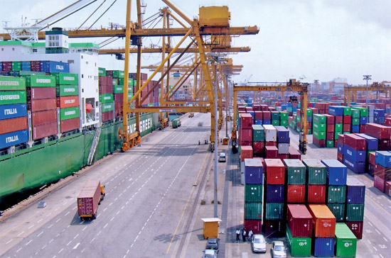 Colombo Port beats Jebel Ali in UAE and Savanah in US to rank 13th best connected Port