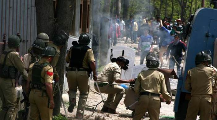 UN rights commission asks India and Pakistan to respect Kashmiris' right to self-determination