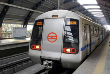 दिल्ली में मेट्रो का बढ़ा किराया लागू, जेब पर बढ़ा भार