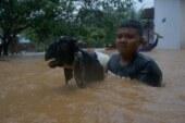 इंडोनेशिया में बाढ़ और भूस्खलन से 11 लोगों की मौत