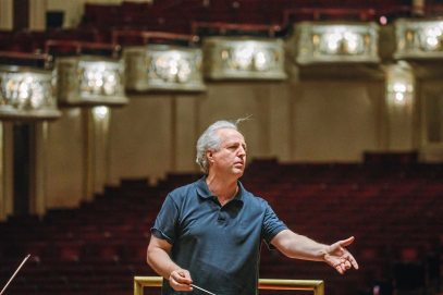 Manfred Honeck leads the Pittsburgh Symphony during practice at Heinz Hall. (Andrew Rush/Post-Gazette)