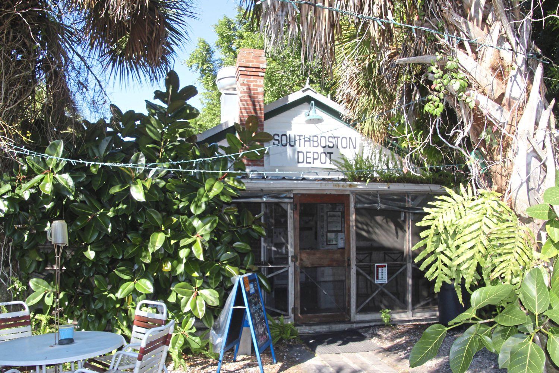 The Bean Depot Cafe, El Jobean, Florida. (Patricia Sheridan/Post-Gazette)