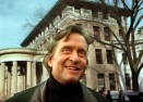 Veteran actor Michael Douglas on the set of the Wonder Boys at Carnegie Mellon University. (Martha Rial/Post-Gazette)