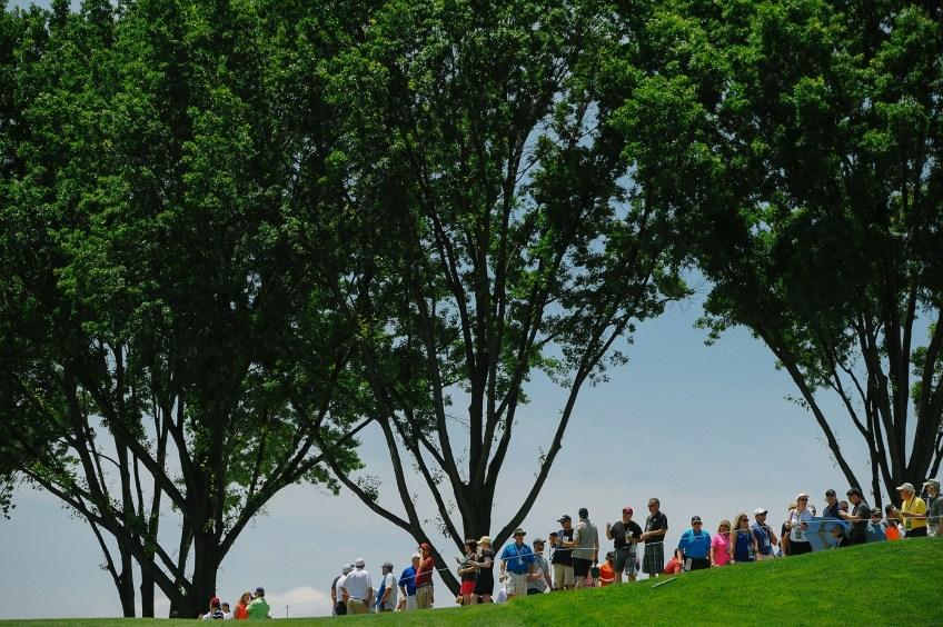 Fans along the 15th green at the U.S. Open at Oakmont.(Rebecca Droke/Post-Gazette)