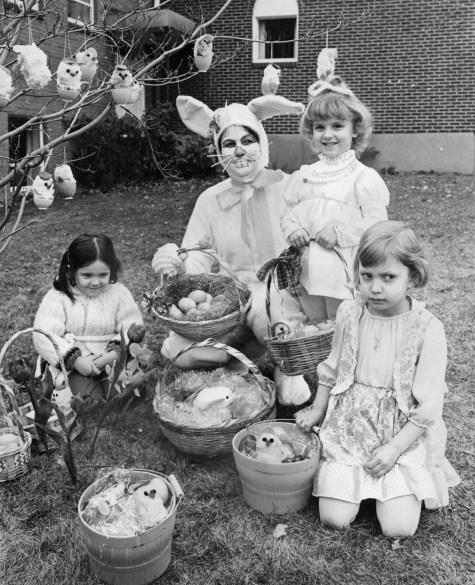 Easter Bunny visit, March 28, 1979 (Marlene Karas, The Pittsburgh Press)