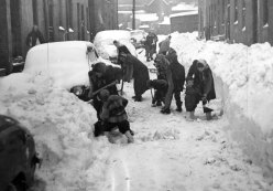 Residents of Seitz Street dug themselves out. (Sun-Telegraph photo)