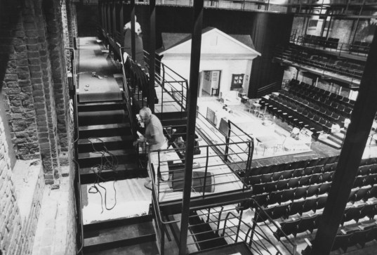 Sept. 20, 1984: An interior view of The Pittsburgh Public Theater in this North Side venue (now the New Hazlett Theater), its home until 1999. (Darrell Sapp/Post-Gazette)