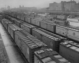 Fully loaded cars, ready to be unloaded on Nov. 20, 1949. (The Pittsburgh Press)