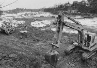 Dec. 29, 1980: What was an amusement park became a shopping center. Here, bulldozers continued that transformation in the middle of winter. (Credit: Mark Murphy/Pittsburgh Post-Gazette)