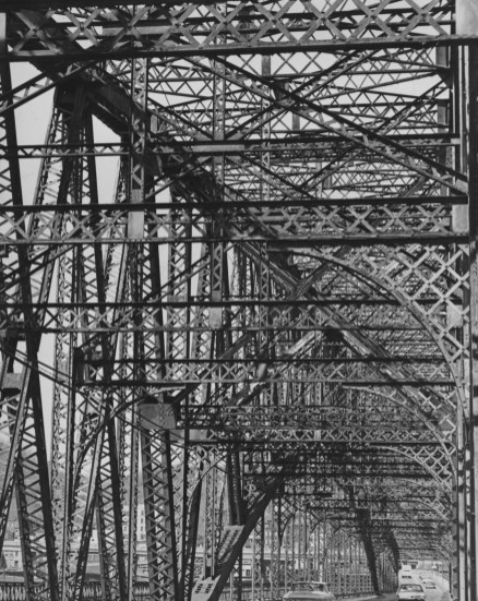 Sept. 5, 1976: The Brady Street Bridge featured a maze of steel first built in the early 1900s. (The Pittsburgh Press)