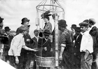 Soon after joining The Pittsburgh Press in 1908, Gertrude Gordon made a seven-mile trip in a primitive dirigible. (Pittsburgh Press photo)