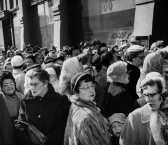 In February 1958, people wait to enter Boggs & Buhl department store to shop at its closing sale on the North Side. (Pittsburgh Press photo)